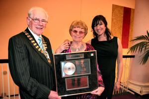 Kevin Wall (left), Chief Barker Variety Club of Ireland, Billie Barry and Hilda Faye, Fair City pictured at a celebration concert at the National Concert Hall, Dublin, where the Variety Club of Ireland presented her with a Living Legend Award. Picture:Arthur Carron/Collins
