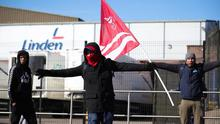 Workers outside the Linden Foods factory in Dungannon. Photo by Kelvin Boyes / Press Eye.