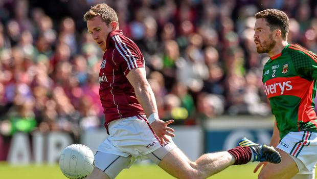 14 June 2015; Gary Sice, Galway, shoots to score his side's first goal. Connacht GAA Football Senior Championship Semi-Final, Galway v Mayo. Pearse Stadium, Galway. Picture credit: David Maher / SPORTSFILE