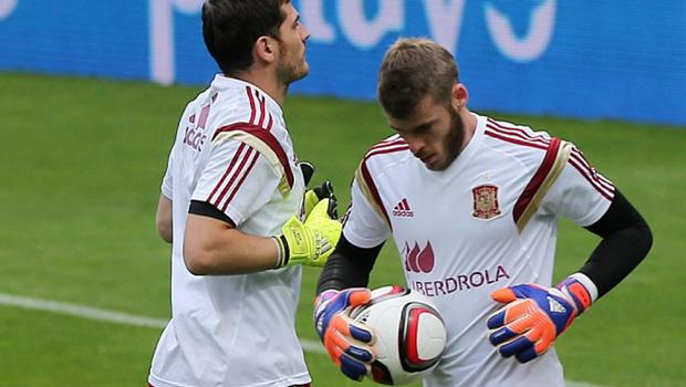 Changing of the guard: David de Gea (right) is expected to replace Iker Casillas at Real Madrid before the summer ends Photo: GETTY IMAGES