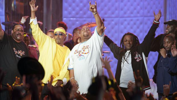 NEW YORK - OCTOBER 03:  The Sugarhill Gang performs at the VH1 Hip Hop Honors October 3, 2004 in New York City.  (Photo by Scott Gries/Getty Images)
