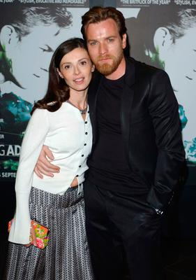 "Ewan McGregor and his wife Eve Mavrakis attend the premiere of ""Young Adam"" at the Warner Village Cinema Leicester Square on September 18, 2003 in London. (Photo by Steve Finn/Getty Images)"