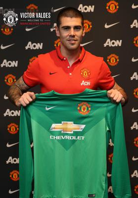 Victor Valdes has joined Manchester United