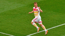 Scotland's Shaun Maloney celebrates scoring his side's equalising goal.