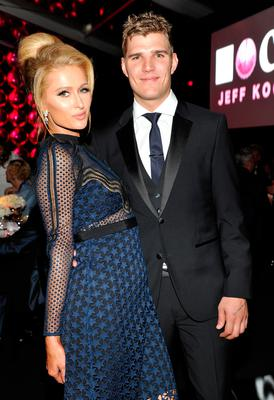 Paris Hilton (L) and Chris Zylka at the MOCA Gala 2017 honoring Jeff Koons at The Geffen Contemporary at MOCA on April 29, 2017 in Los Angeles, California.  (Photo by John Sciulli/Getty Images for MOCA)