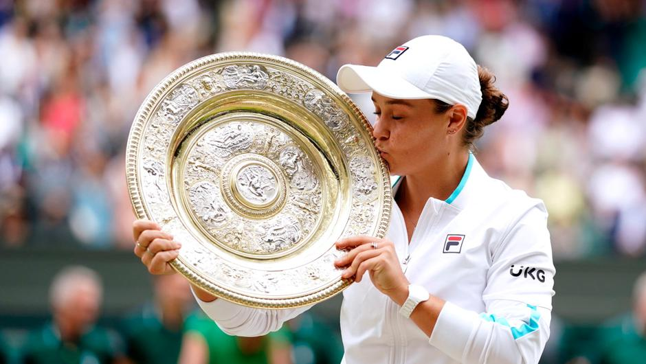 Ashleigh Barty celebrates with her trophy after winning the ladies' singles final match against Karolina Pliskova