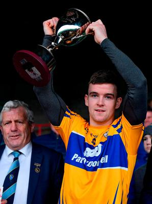 Clare captain Tony Kelly lifts the cup in the presence of Munster Council Chairman Jerry O'Sullivan following the Co-Op Superstores Munster Hurling League Final 2019 match between Clare and Tipperary at the Gaelic Grounds in Limerick. Photo by Piaras Ó Mídheach/Sportsfile