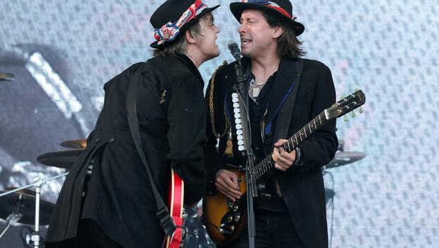 The Libertines performing on the Pyramid Stage at the Glastonbury Festival, at Worthy Farm in Somerset. PRESS ASSOCIATION Photo. Picture date: Friday June 26, 2015. Photo credit should read: Yui Mok/PA Wire