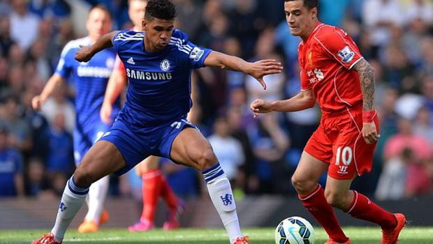 Chelsea's English midfielder Ruben Loftus-Cheek (L) prepares to challenge Liverpool's Brazilian midfielder Philippe Coutinho (R) during the English Premier League football match between Chelsea and Liverpool at Stamford Bridge in London on May 10