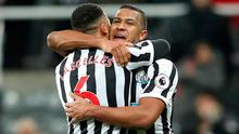Newcastle United's Jamaal Lascelles and Salomon Rondon celebrate after the match   REUTERS/Scott Heppell