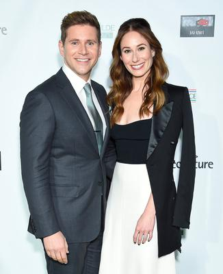 SANTA MONICA, CA - FEBRUARY 21:  Allen Leech and Jessica Blair Herman attend the US-Ireland Alliance 14th Annual Oscar Wilde Awards at Bad Robot on February 21, 2019 in Santa Monica, California.  (Photo by Gregg DeGuire/Getty Images)