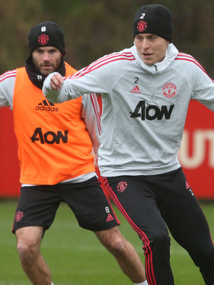 Victor Lindelof in action during Manchester United's training session alongside team-mate Juan Mata. Photo: Getty Images