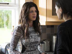 Love/Hate Series 5 Episode 6 Aoibhinn McGinnity as Trish and Charlie Murphy as Siobhan