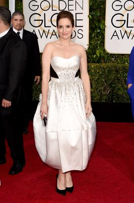 Golden Globes 2015: Sure, Tina Fey is too busy being an amazing host to nail it on the red carpet every time, but she could have gone out with a bang this year...and didn't. MISS.