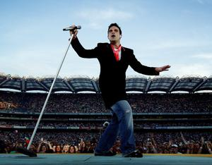 Robbie Williams in concert in Croke Park 9/6/06. Picture By David Conachy .