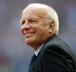FA Chairman Greg Dyke vows to step up pressure on FIFA President Sepp Blatter