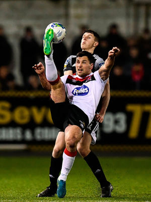 Patrick Hoban of Dundalk and Eoin Toal of Derry City. Photo by Stephen McCarthy/Sportsfile