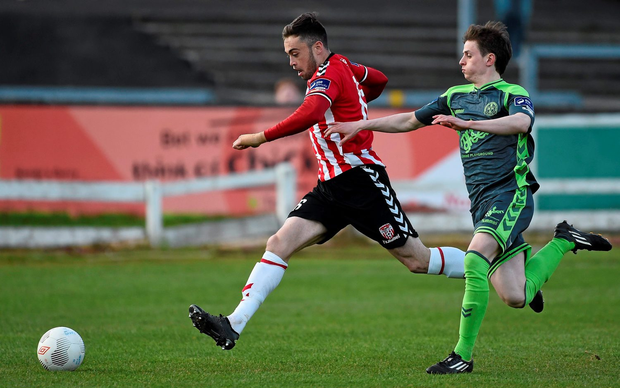 Derry City's Nathan Boyle tries to escape a challenge from Bohemians' Ayman Ben Mohamed Photo: Oliver McVeigh / SPORTSFILE
