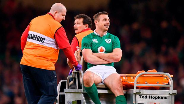 Tommy Bowe leaves the field injured just minutes after coming on as a substitute. Photo: Stephen McCarthy/Sportsfile