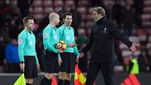 SUNDERLAND, ENGLAND - JANUARY 02:  Referee Lee Mason speaks to Jurgen Klopp, Manager of Liverpool after the Premier League match between Sunderland and Liverpool at Stadium of Light on January 2, 2017 in Sunderland, England.  (Photo by Stu Forster/Getty Images)