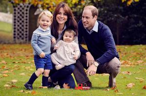 25. Kate Middleton, Prince William, Prince George and Princess Charlotte in their 2015 Christmas card.