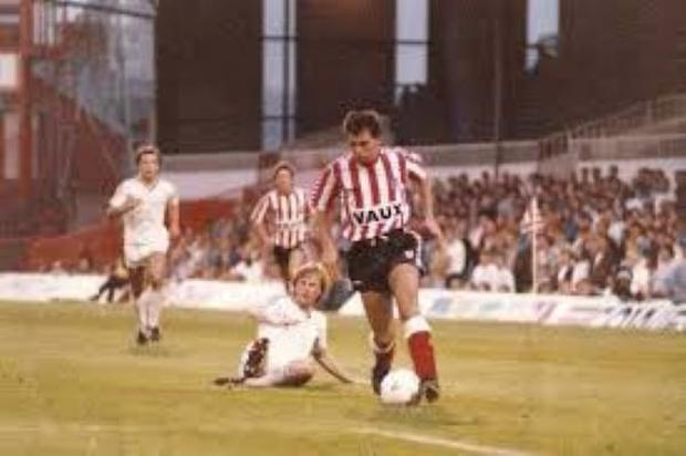Kieron Brady in action for Sunderland v Dnipro in 1990