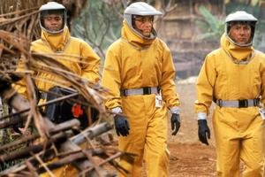 Dustin Hoffman (R) in Outbreak which released 25 years ago.