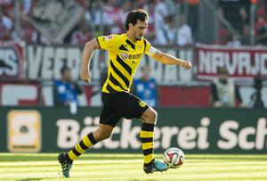 Name: Mats Hummels | Age: 26 | Club: Borussia Dortmund | Possible fee: £30m | Interested clubs: Manchester United, Arsenal. Photo: Alexandre Simoes/Borussia Dortmund/Getty Images