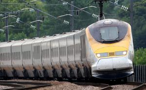 Hundreds of passengers stuck on trains for hours overnight after an overhead cable problem. Photo : Gareth Fuller/PA Wire