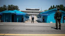 File photo: Sout Korean soldiers face the Northern Korea border, in the Demilitarized Zone (DMZ) between North and South Korea on 14th May 2014 Photo: Ed Jones/ Getty