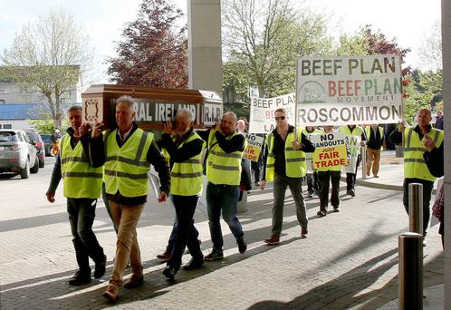 Several hundred farmers gathered in protest in Ballinasloe, Co. Galway, which wasorganised by the Western Region of the Beef Plan Movement. Photograph: Hany Marzouk