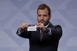 Rafael van der Vaart draws the Republic of Ireland during the UEFA Nations League draw at Beurs van Berlage Conference Centre, Amsterdam, Netherlands. Photo: Reuters/Yves Herman