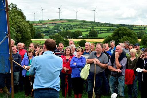At a Teagasc BETTER sheep farm walk on the Doyle farm in Ballinacoola, Ballindaggin, Co Wexford, a large crowed learned about optimising grass utilisation for early and mid-season lambing flocks. Photo Roger Jones.