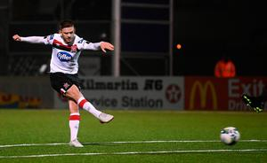 Sean Murray of Dundalk shoots to score his side's eleventh goal during the Extra.ie FAI Cup Semi-Final match against Athlone Town. Photo by Stephen McCarthy/Sportsfile
