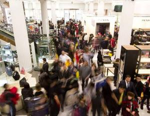 Shoppers avail of Black Friday deals (Photo: Getty Images)