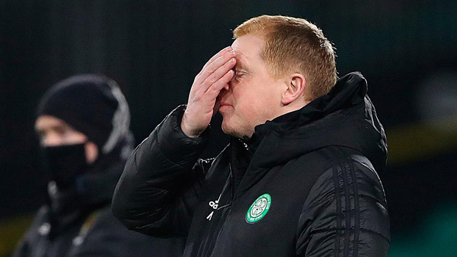 Celtic's manager Neil Lennon reacts during the Scottish Premiership match between Celtic and St. Johnstone. (Photo by Ian MacNicol/Getty Images)
