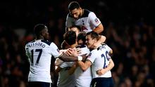 Tottenham Hotspur's Ben Davies (centre) celebrates scoring his side's first goal of the game during the Emirates FA Cup, Third Round match at White Hart Lane
