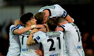 Dundalk players celebrate after Ciaran Kilduff, hidden, scored their side's second goal. SSE Airtricity League Premier Division, Dundalk v Sligo Rovers. Oriel Park, Dundalk, Co. Louth. Picture credit: Oliver McVeigh / SPORTSFILE