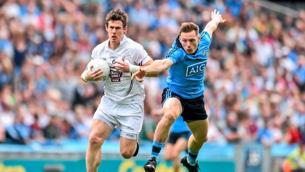 28 June 2015; Emmet Bolton, Kildare, in action against Cian O'Sullivan, Dublin. Leinster GAA Football Senior Championship, Semi-Final, Dublin v Kildare. Croke Park, Dublin. Picture credit: Ramsey Cardy / SPORTSFILE