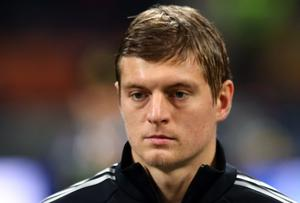 Toni Kroos has been warned to consider his options before leaving Bayern Munich