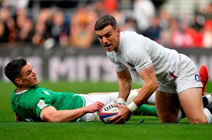 George Ford scores England's first try after a mistake by Ireland skipper Jonathan Sexton. Photo by Brendan Moran/Sportsfile