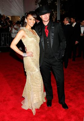 Actress Paula Patton and musician Robin Thicke arrive at the Metropolitan Museum of Art Costume Institute Gala, Superheroes: Fashion and Fantasy, held at the Metropolitan Museum of Art on May 5, 2008 in New York City.  (Photo by Stephen Lovekin/Getty Images)