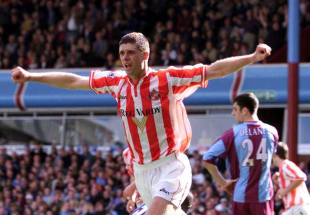 Niall Quinn of Sunderland celebrates scoring the equalizer during the FA Carling Premiership match between Aston Villa and Sunderland at Villa Park, Birmingham. Mandatory Credit: Laurence Griffiths/ALLSPORT