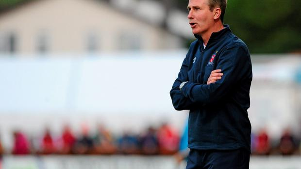 12 June 2015; Dundalk Manager Stephen Kenny gives instructions to his players. SSE Airtricity League Premier Division, Sligo Rovers v Dundalk, The Showgrounds, Sligo. Picture credit: Seb Daly / SPORTSFILE