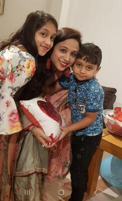 Tragic mum Seema Banu with her two children Asfira               (11) and Faizan (6).