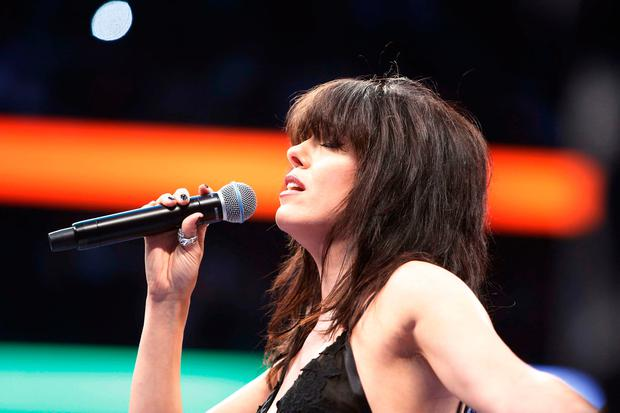Boxing - Floyd Mayweather Jr. vs Conor McGregor - Las Vegas, USA - August 26, 2017 Imelda May sings the national anthem before the fight REUTERS/Steve Marcus