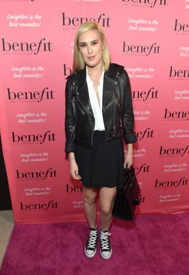 Actress Rumer Willis attends Benefit Cosmetics and Vanessa Hudgens Kick-Off National Wing Women Weekend at Space 15 Twenty on September 26, 2014 in Los Angeles, California.  (Photo by Charley Gallay/Getty Images for Benefit Cosmetics)