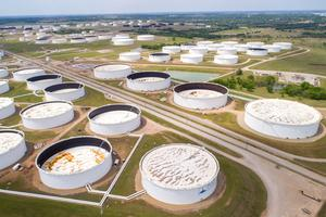 Crude oil storage tanks are seen in an aerial photograph at the Cushing oil hub in Cushing, Oklahoma, US. Photo: Reuters