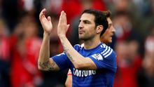 """Football - Arsenal v Chelsea - Barclays Premier League - Emirates Stadium - 26/4/15 Chelsea's Cesc Fabregas applauds the fans as he is substituted Action Images via Reuters / John Sibley Livepic EDITORIAL USE ONLY. No use with unauthorized audio, video, data, fixture lists, club/league logos or """"live"""" services. Online in-match use limited to 45 images, no video emulation. No use in betting, games or single club/league/player publications.  Please contact your account representative for further details."""