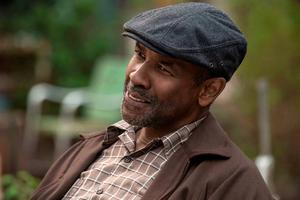 "Denzel Washington in a scene from ""Fences.""  (David Lee/Paramount Pictures via AP)"